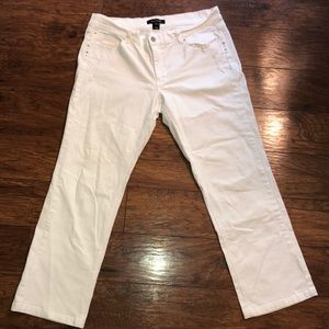 Woman's white house black market white jeans